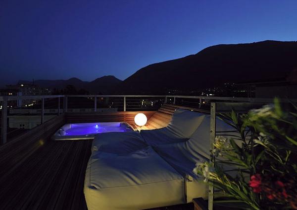 Entspannung auf dem Balkon - ImperialArt Whirlpool