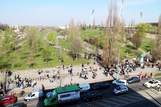 mauerpark-ajoure-travel