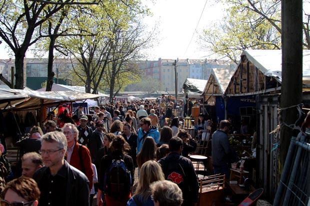flohmarkt-ajoure-travel
