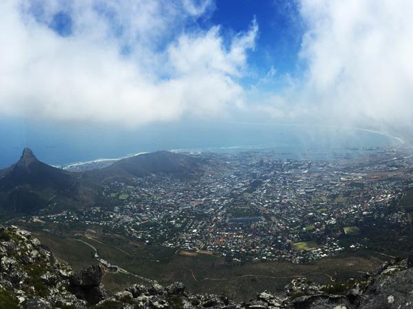 Ausblick-vom-Tafelberg-ajoure-travel