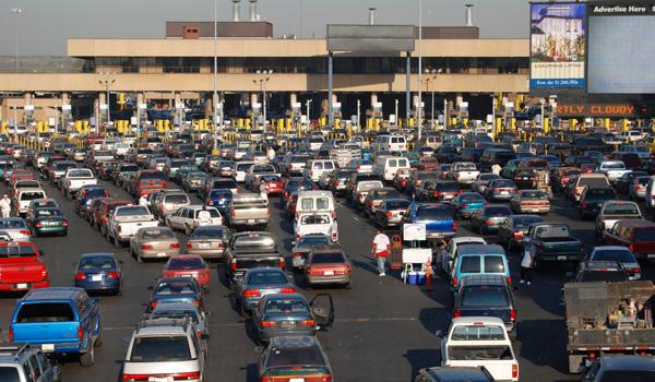 Grenze-San-Diego-u-Tijuana-ajoure-travel