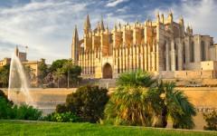 Kathedrale-Mallorca-ajoure-travel