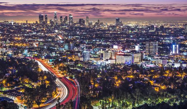 L.A.-bei-Nacht-ajoure-travel