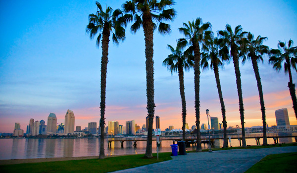 San-Diego-Skyline-ajoure-travel