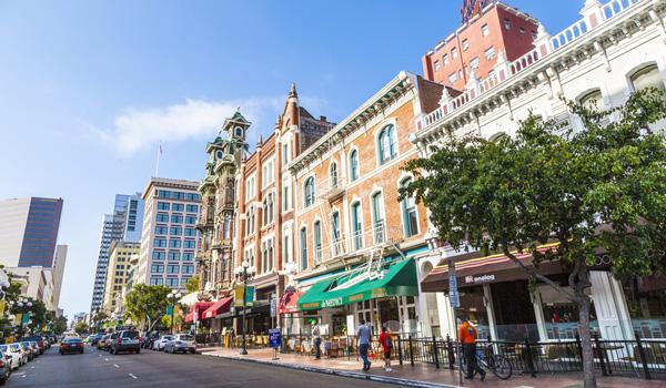 San-Diego-Stadt-ajoure-travel