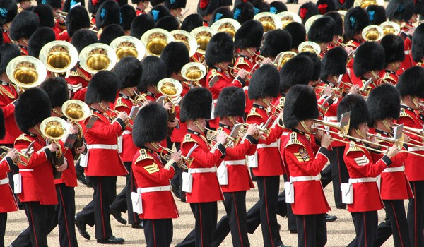 Trooping-the-Colour_p[7]-ajoure-travel