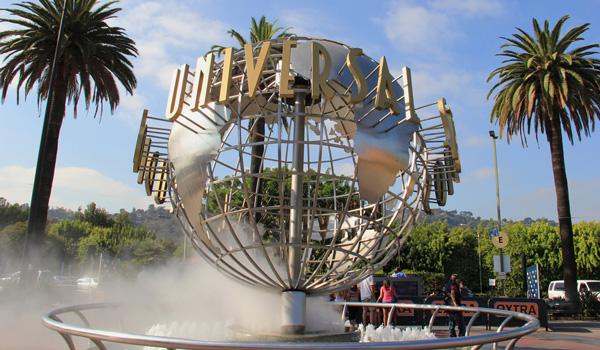 Universal-Studios-ajoure-travel