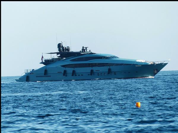 Yacht-ajoure-travel