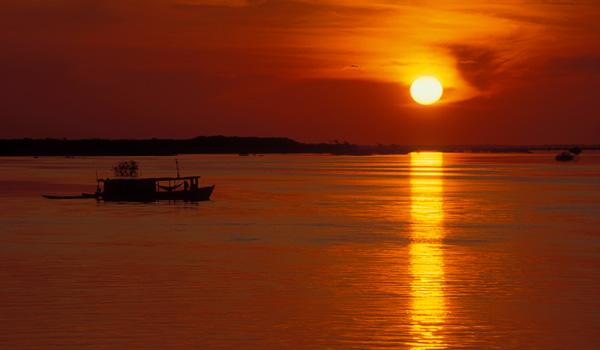 Amazonas-Sunset-ajoure-travel