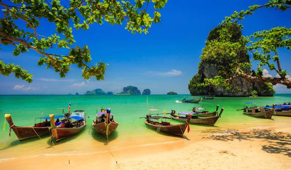 Bali-Strand-ajoure-travel
