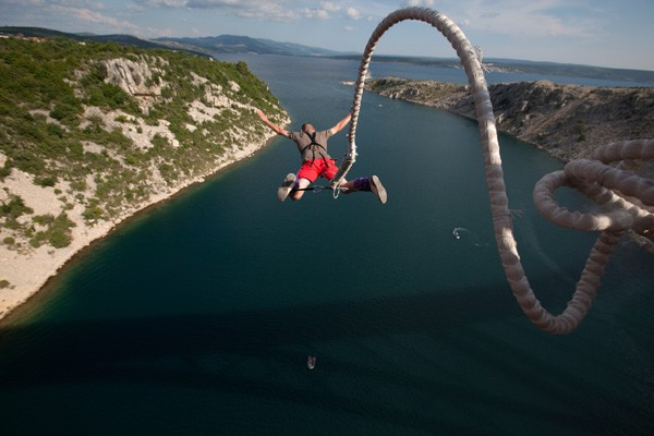 Bungee-ajoure-travel