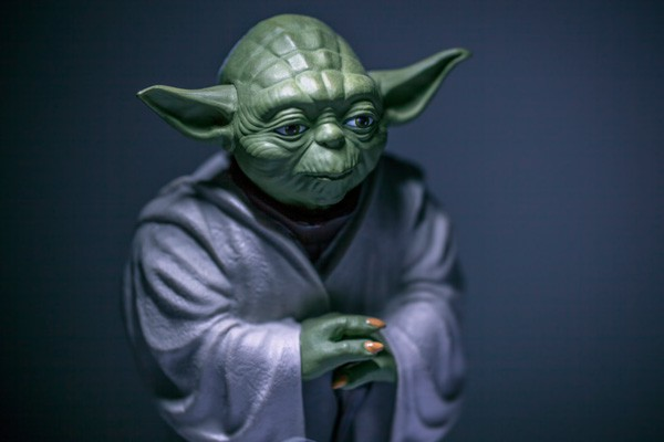 Star-Wars-Yoda-ajoure-travel
