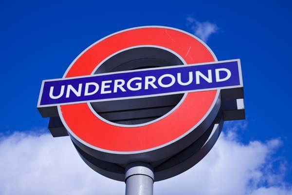 U-Bahn-London-ajoure-travel