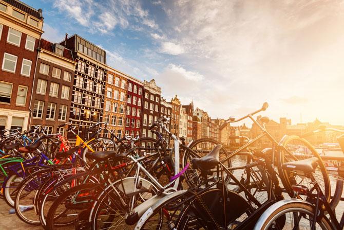 Amsterdam mit dem Fahrrad erkunden