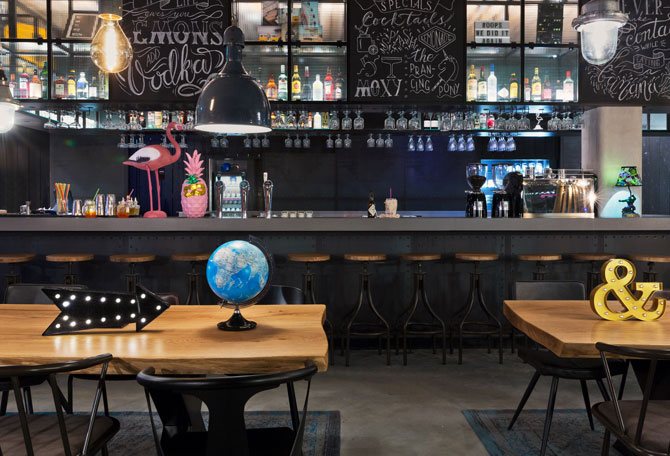 Moxy Hotelbar Amsterdam