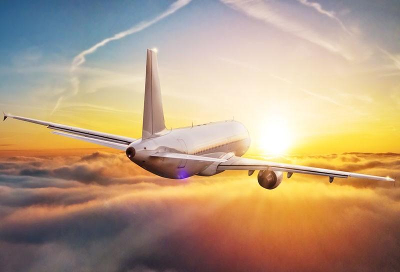Fernziele im Sommer: Früh planen und sparen mit Linienflügen