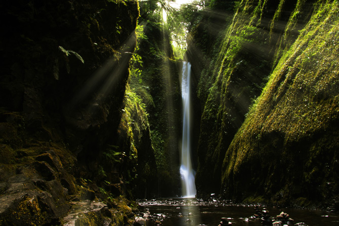 Wasserfall in Oregon Oneonta Gorge
