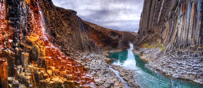 Island Schlucht mit Fluss