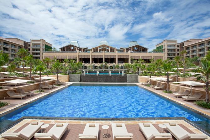 Mulia Resort Courtyard Pool