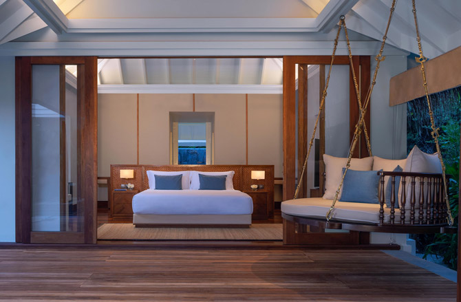 Anantara Kihavah Guest Room Three Bedroom Beach Pool