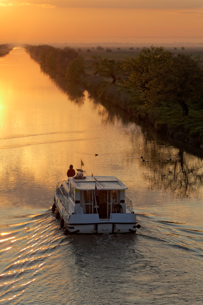 Locaboat Canal du Midi Sunset