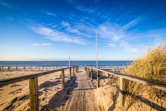 Steg und Strand am Meer auf Sylt