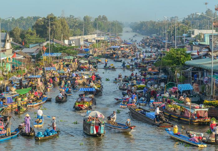 schwimmender Markt im Mekong-Delta in Vietnam